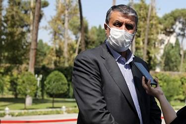 محمد اسلامی وزیر راه و شهرسازی پس از پایان جلسه هیأت وزیران / ۲ مهر ۱۳۹۹