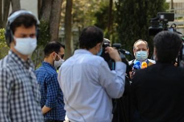 محمد شریعتمداری وزیر تعاون، کار و رفاه اجتماعی  پس از پایان جلسه هیأت وزیران در جمع خبرنگاران / ۲ مهر ۱۳۹۹