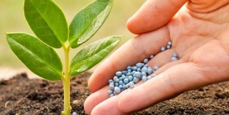 تامین بیش از 8 هزار تن کودهای مورد نیاز کشاورزی در آذربایجانغربی / مشکلی در تامین کود مورد نیاز کشاورزان نداریم