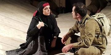 کرمی زاده: تئاتر دفاع مقدس قابلیت جهانی شدن دارد/از کلیشه های تاریخ مصرف گذشته دور شویم