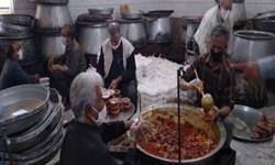 توزیع ۶۰۰ پرس غذای نذری توسط خادمیاران استهبان
