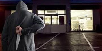 افزایش حملات به کارکنان سوپرمارکت ها در بریتانیا به دلیل قوانین کرونا+فیلم