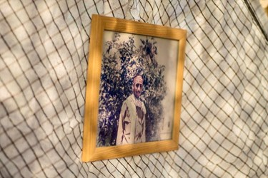 عکس| عطرافشانی گلزار شهدای بندرعباس