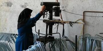 همت بلند بانوی مشهدی؛ از کارآفرینی با صندلی تاشو تا صادرات به عراق و روسیه