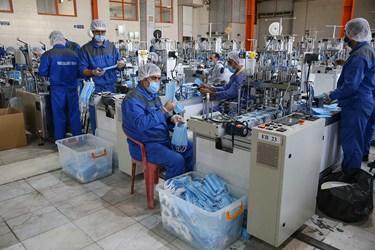 آغاز به کار فاز توسعهای کارخانه تولید ماسک ستاد اجرایی فرمان امام(ره)  در شهرک صنعتی اشتهارد با ظرفیت تولید 5میلیون ماسک در روز