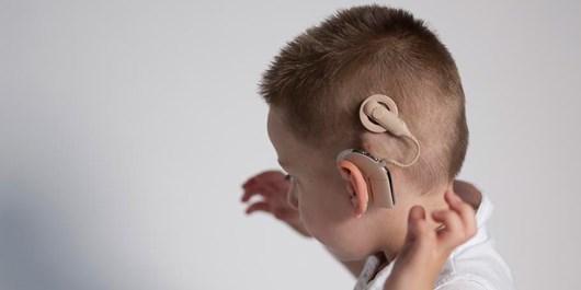 انجام دو عمل فوق تخصصی کاشت حلزون شنوایی در زاهدان