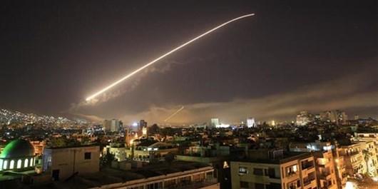 سیاستمدار آمریکایی: دستور حمله بایدن به سوریه، هدیه به داعش بود