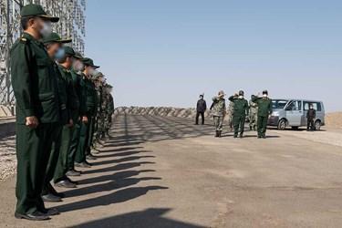 بازدید سرلشکر موسوی و سردار حاجیزاده از نیروهای عملیاتی سامانه راداری قدیر