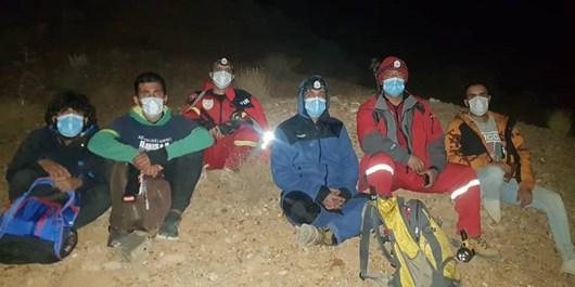 عملیات آتشنشانی برای یافتن دو جوان در ارتفاعات کوه سرخ قلات