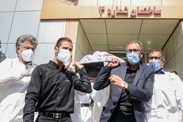 تشییع اولین پزشک شهید مدافع سلامت خوزستان