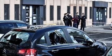 حمله معترضان به نیروهای امنیتی فرانسه در حومه پاریس