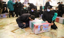 بوسه عشق محمد بر پیکر پدر شهیدش/ پایان چشم انتظاری پسری که جای پدر بود!