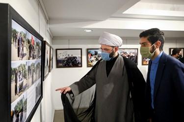 بازدید حجت الاسلام محمد قمی رئیس سازمان تبلیغات اسلامی از نمایشگاه عکس «عطش وصل»