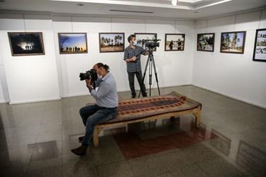 حضور خبرنگاران در نمایشگاه عکس «عطش وصل»