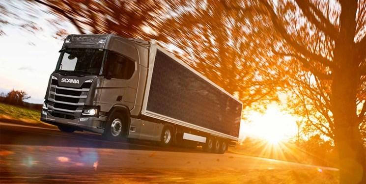 صرفه جویی در مصرف سوخت با نصب صفحات خورشیدی بر روی کامیون ها