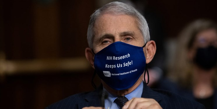 فائوچی: امتناع ترامپ از زدن ماسک معقول نیست