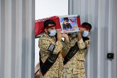 ورود پیکر شهید مدافع حرم زکریا شیری به معراج الشهدا