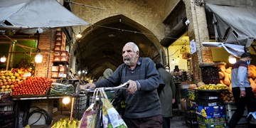 بدون ماسک در طولانی ترین بازار مسقف ایران