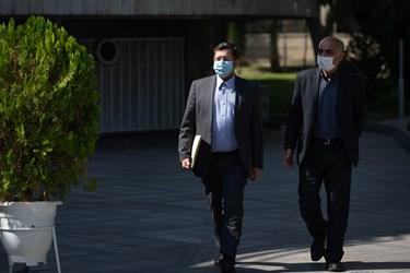 عبدالناصر همتی رئیس کل بانک مرکزی در حاشیه جلسه هیأت وزیران / ۲۳ مهر ۹۹