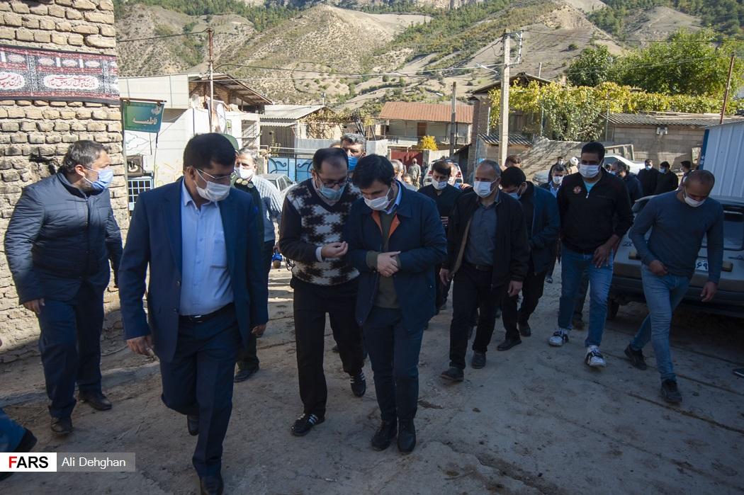 بازدید عضو هیئت رئیسه مجلس شورای اسلامی از روستاهای زلزله زده رامیان