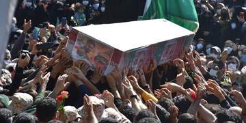 خاکسپاری شهید رضا حاجیزاده