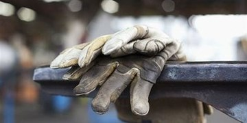 آسیبهای کرونا و باری که بر دوش کارگران سنگینی میکند