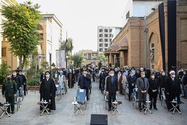 احترام به سرود ملی ایران در پنجمین اجلاسیه بین المللی مجاهدین در غربت