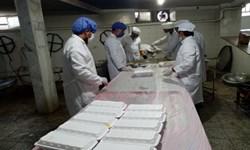 کمک مؤمنانه؛ توزیع۱۶۰۰ پرس غذای گرم در بین نیازمندان کوهبنان