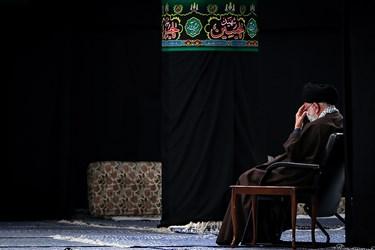 رهبر معظم انقلاب  اسلامی در مراسم عزاداری روز شهادت حضرت امام رضا(ع) / حسینیه امام خمینی(ره)