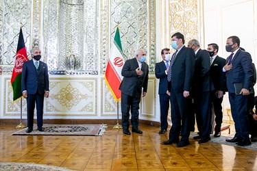خوشآمد گویی محمد جواد ظریف وزیر امور خارجه به همراهان عبدالله عبدالله رییس شورای عالی صلح افغانستان