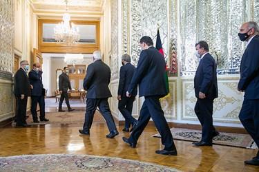 ورود عبدالله عبدالله رییس شورای عالی صلح افغانستان و محمد جواد ظریف وزیر امور خارجه و دیگر همراهان به محل دیدار