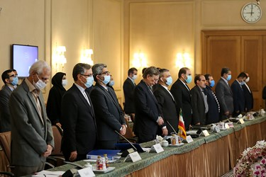 ادای احترام هیئت ایرانی و اوکراینی به کشته شده های هواپیمای اوکراینی درآغاز برنامه
