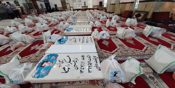کمک مؤمنانه| ۹۰۱ بسته معیشتی در بین نیازمندان آستانهاشرفیه توزیع شد