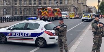مقامات قضایی فرانسه 4 دانش آموز را در ارتباط با قتل معلم تاریخ دستگیر کردند