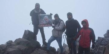 صعود کوهنوردان شهرقدسی به قله کرکس نطنز/ صعودی که تقدیم به سردار دلها شد