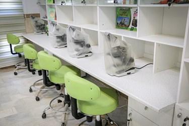 بخش علوم آزمایشگاهی این مرکز بعد از اینکه مشخص شد که مدت طولانی این دستگاهها از دسترس کودکان دور خواهد ماند با تدابیر اندیشیده شده راهکار های ممانعت از  آسیب دیدگی و از ورود گرد و غبار انجام شده است.