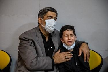 فرزند شهید در مراسم وداع با پیکر شهید امر به معروف «محمد محمدی»