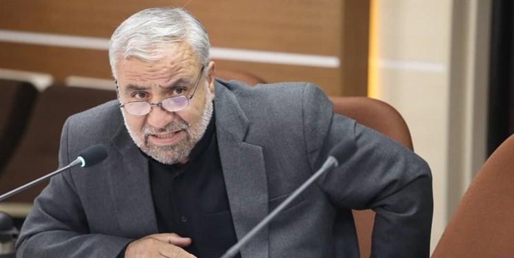نماینده مجلس: ارز ۴هزار و ۲۰۰ تومانی عدهای را از کوخنشینی به کاخنشینی رساند