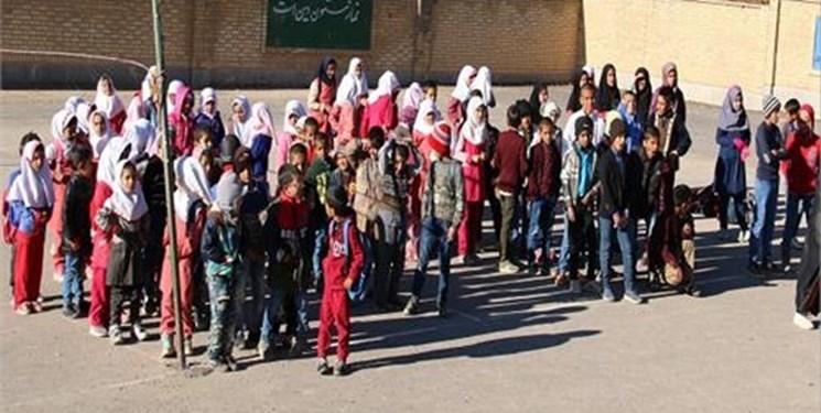 کمک مؤمنانه | کمک ۲۵۰۰ میلیاردی به دانشآموزان آسیبدیده از کرونا در خراسان جنوبی