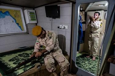 نیروهای یگان تکاور دریابانی ناجا در بوشهر شب پیش از آغاز رزمایش