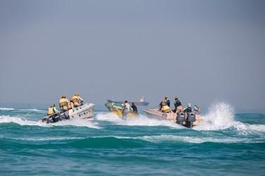 تعقیب قایق حامل قاچاق توسط نیروهای تکاور یگان دریابانی