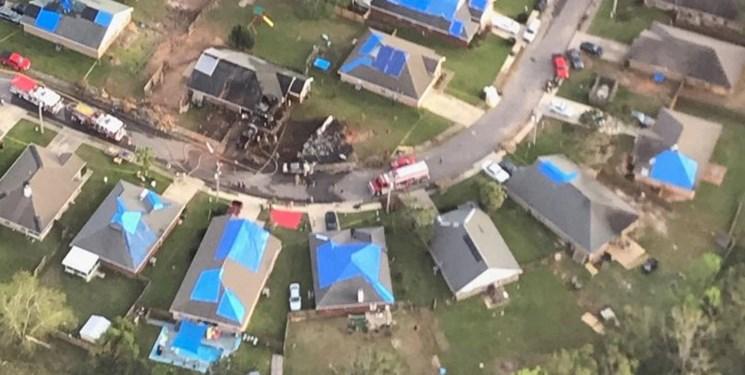 فیلم| سقوط هواپیمای نیروی دریایی آمریکا در آلاباما؛ 2 خلبان کشته شدند