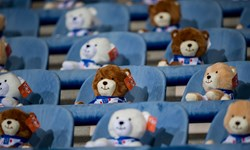 اقدام جالب باشگاه هیرنفین/15 هزار عروسک در ورزشگاه برای حمایت از کودکان سرطانی+عکس