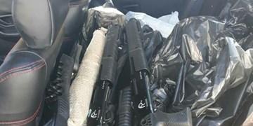 کشف ۶۴ قبضه سلاح جنگی در فریدونکنار/دستگیری 2 نفر از اعضای باند سلاح