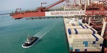 پهلوگیری یک کشتی 14500 کانتینری در بندر شهید رجایی