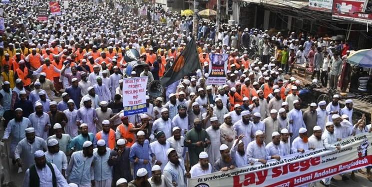 تصاویر| دهها هزار نفر از مردم بنگلادش علیه فرانسه تظاهرات کردند