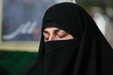 همسر شهید امر به معروف محمد محمدی در منزل شهید