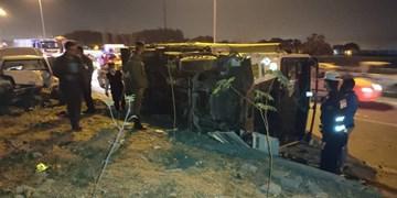 تصادف شدید کامیون با پراید در کمربندی چیتگر