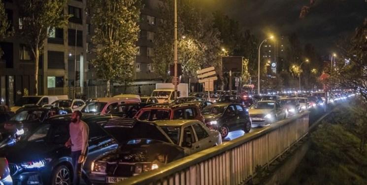 فیلم  ترافیک 700 کیلومتری اطراف پاریس پیش از اجرای قرنطینه دوم