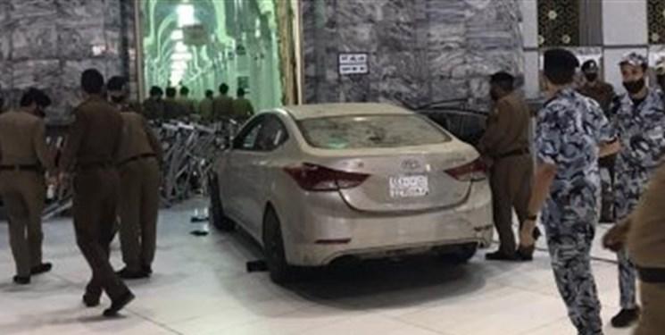 فیلم   برخورد خودرو به یکی از درهای مسجدالحرام